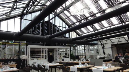 Indretningen er af designfirmaet Piet Boon i moderne og minimalistisk stil.