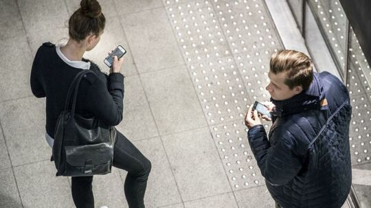 TDC gør klar til at bruge sit opdaterede 4G-mobilnet på hidtil usete måder - og i kombination med telegigantens kabelnet i jorden - til at få hastighederne i vejret i hele Danmark, også her i den københavnske metro, hvor dækningen også skal være i orden. Arkivfoto: Søren Bidstrup, Scanpix