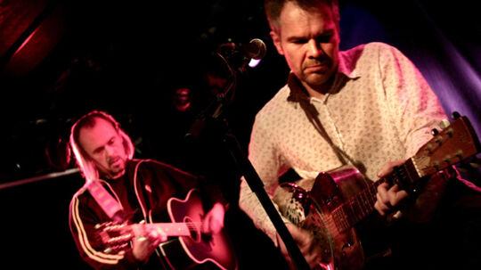 """""""De efterladte"""": Peter H. Olesen (til venstre) er tilbage med nye sange sammen med vennen Michael Lund."""