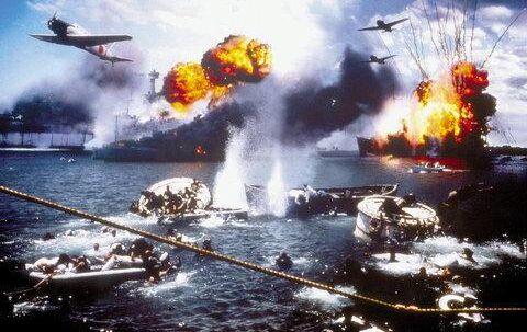 For at kunne genskabe scenerne med de enorme krigsskibe, der synker, tog filmholdet til Rosarita Beach i Mexico, hvor »Titanic« blev indspillet. I alt havde man ni rigtige fly at gøre godt med i luften, så computer-nørderne har givet en hjælpende hånd for at genskabe scenerne med op til 200 fly.