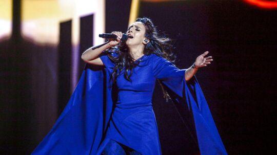 Jamala midt i sin optræden ved Eurovision-finalen.
