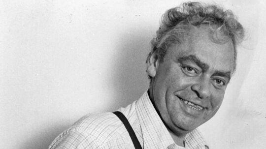 Dirch Passer sled sig selv ihjel. Det er alle enige om. Men den aalborgensiske teater- og koncertchef Ernst Trillingsgaard mener, at Passers minde fortjener nuancer. F.eks. levede han sundt i en periode. Arkivfoto: Scanpix