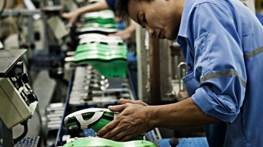 Ecco har valgt ikke at flytte deres thailandske fabrik, og det er især på grund af de dygtige lokale medarbejdere i industriparken i Ayutthaya nord for Bangkok. Foto: Ecco