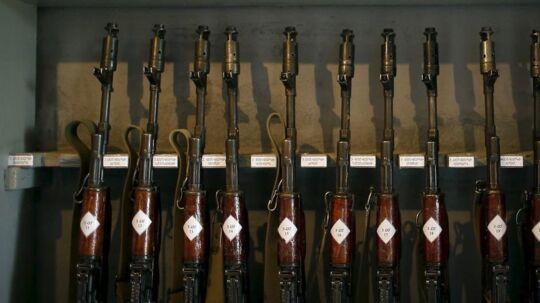 Firmaet Kalashnikov har mistet sine to største markeder for jagt- og sportsvåben - USA og Europa. Det får firmaet til at finde nye græsgange.