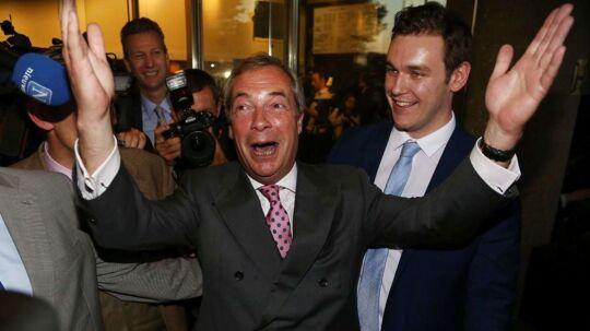 Nigel Farage jubler.