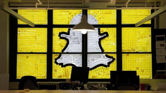 Arkivfoto: Snapchat logo lavet af post-it notes.