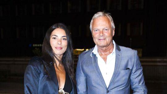 Jarl Friis Mikkelsen og datterenIsabell Friis-Mikkelsen ankommer til premieren på Frank og Caspers nye stand-up show.