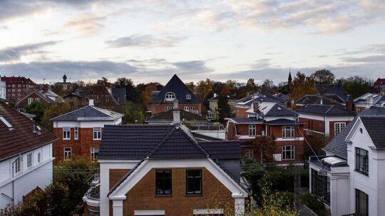 Det er nu boligejerne skal slå til og skifte til det fastforrentede 2 pct. lån. Obligationskursen er helt oppe på 98.