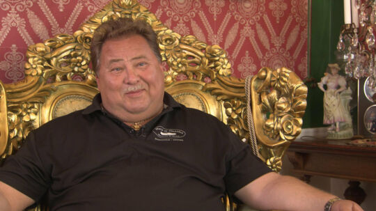 Leif-Ivan Karlsson har en forgyldt trone i sin 700 kvadratmeter store villa. Foto: TV3