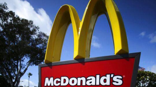 McDonald's kom ud af andet kvartal med en lidt højere indtjening - trods at salget gik tilbage. Foto: Mike Blake, Reuters.