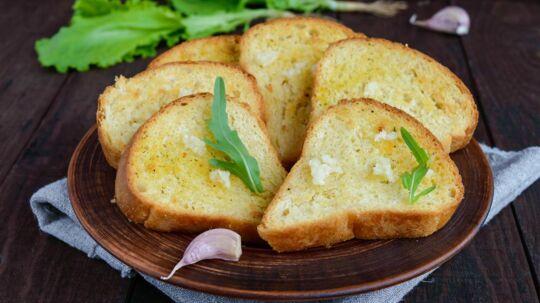Nu kan du spise hvidløgsbrød uden at frygte morgendagens pinsler.