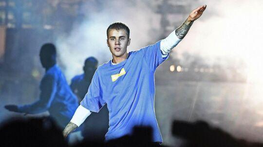 I 2008 blev Justin Bieber opdaget på YouTube af talentsåejderen og manageren Scooter Braun. I dag slår han bl.a. rekorder som rekorden for »det mest streamede album på Spotify på en uge« og »Den mest fulgte mand på Twitter«.