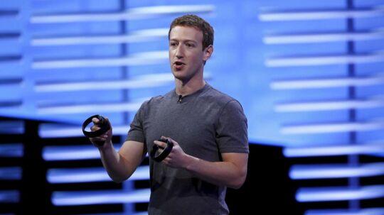 Forbes fremhæver Facebooks én milliard aktive daglige brugere, når de placerer stifter og administrerende direktør Mark Zuckerberg på deres liste. Det svarer til, at hvert syvende nulevende menneske i verden logger ind på Zuckerbergs sociale medie hver dag. (REUTERS/Stephen Lam)