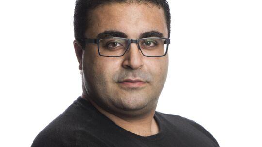 At skære i børnechecken vil skade integrationen, mener Ahmad Mahmoud, der er opvokset i Askerød og har skrevet bogen 'Sort Land'. Foto: Søren Bidstrup