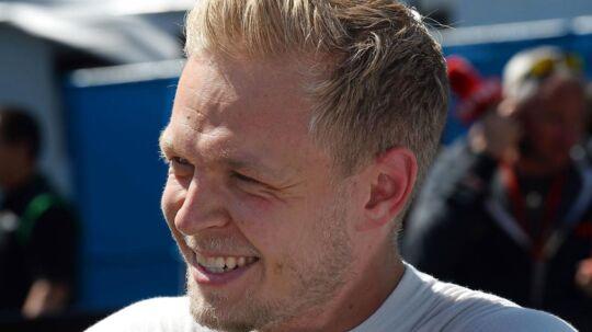 Den smilende Kevin Magnussen (Renault) glæder sig til Brasiliens Grand Prix, hvor banen leder tankerne hen på go-kart. Photo: Grand Prix Photo