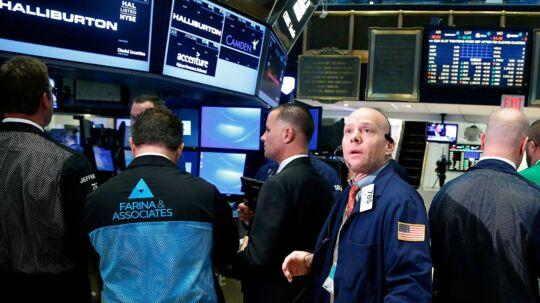 Arkivfoto. Der er udsigt til endnu en negativ åbning på det amerikanske aktiemarked, efter at de amerikanske aktiebørser mandag for første gang i ni handelsdage lukkede med positive fortegn.