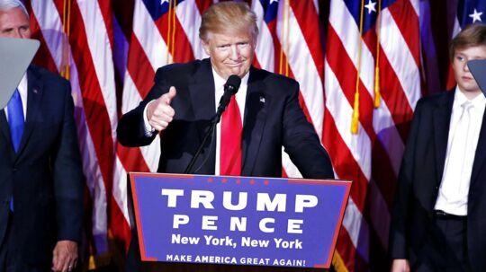 Nogle vil sige, at det begyndte i valgkampen, da han hævdede, at mordraten i USA aldrig havde været højere, at ledigheden er 42 pct., og ordstyreren Megan Kelly var menestruationsbesværet under en TV-debat.