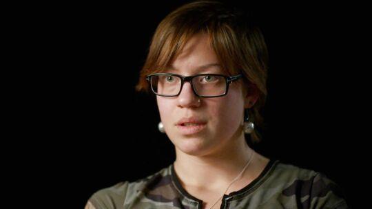 I 2005 blev Zandra Berthelsen landskendt som Tønder-pigen, da det kom frem, at hun var blevet seksuelt misbrugt af sin far og mor. Nu stiller hun op på TV 2 for at fortælle sin egen historie. Torsdag aften står hun frem på tv, for at fortælle sin egen historie om en af de mest omtalte sager om seksuelt misbrug af børn.