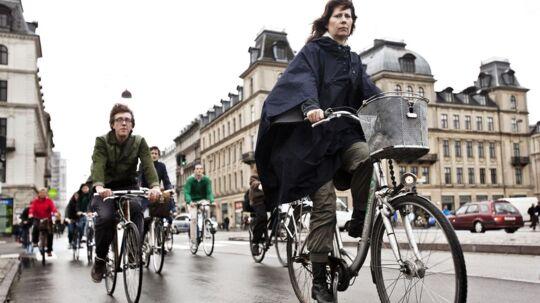Københavns cyklister har overtaget byen og overhalet antallet af bilister. Et af de steder, hvor der er meget cykeltrafik er på Dronning Louises Bro på Nørrebro, hvor tusindvis passerer på deres cykler hver dag.