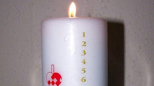 Der er en meget praktisk grund til, at 1-tallet på kalenderlyset sidder nogle centimeter nede på selve lyset.