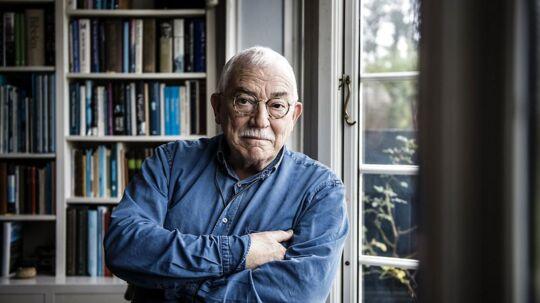 Flere eksperter, heriblandt den anerkendte forsker Hans Mouritzen, har kritiseret den hyppige udskiftning af udenrigsministre. Uffe Ellemann-Jensen tilslutter sig kritikken.