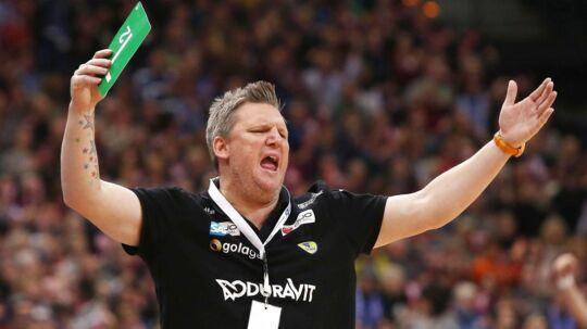 Nikolaj Jakobsen er den nye herrelandsholdstræner. Han skal de første to år bijobbe som klubtræner.