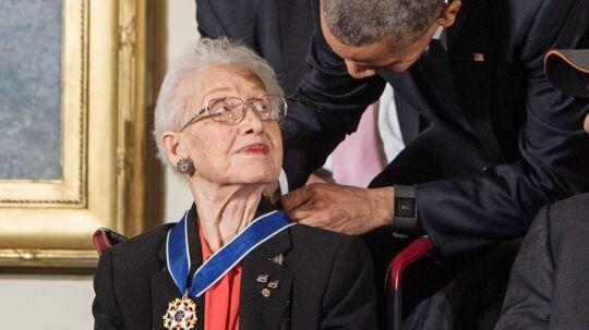For et år siden fik den nu 98-årige Katherine Johnson endelig officiel anerkendelse, da præsident Obama tildelte hende frihedsmedaljen. Foto: Getty