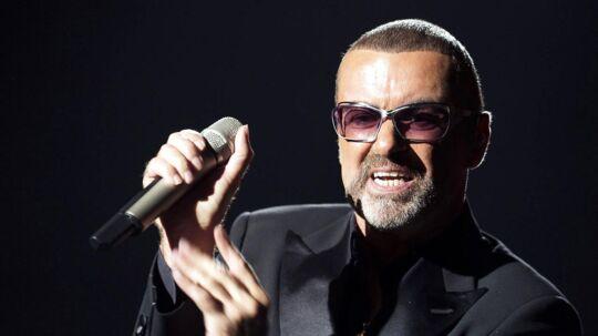 Ifølge den afdøde sangers kæreste Fadi Fawaz, var det ham, der fandt George Michael død i sengen 1. juledag.