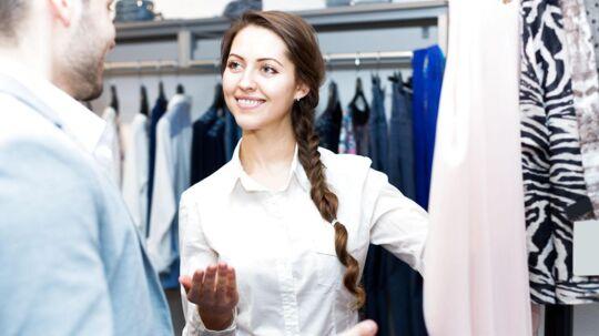 Mere end hver tredje bliver irriteret, når ekspedienten i butikken spørger, om der er noget, de kan hjælpe med.