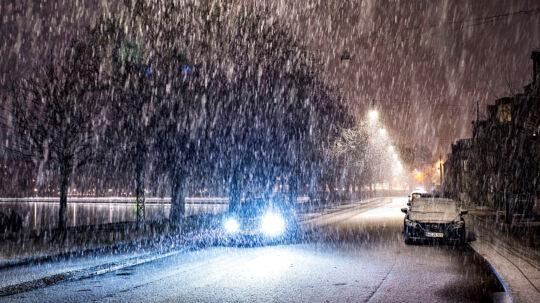 Kraftigt snevejr over det meste af Danmark. Her er sneen kommet til København.