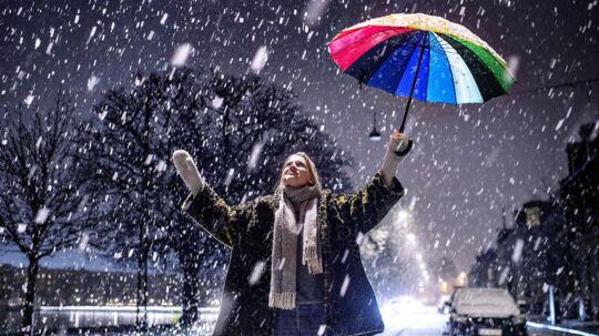 Torsdag d. 23. februar 2017 ramte en snestorm Danmark. Her er det Astrid der byder sneen velkommen til København. Øster Søgade på Østerbro.. (Foto: Bax Lindhardt/Scanpix 2017)