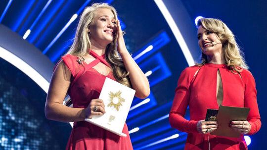 """Dansk Melodi Grand Prix 2017 foregik lørdag aften i Boxen i Herning. Her ses vinderen med sang nr. 4, """"Where I Am"""" med Anja (foto: Henning Bagger / Scanpix 2017)"""