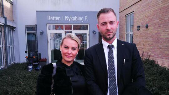 Rikke Louise Andersen med sin forsvarsadvokat Silas Hecht ved Retten i Nykøbing Falster fredag den 3. marts 2017.