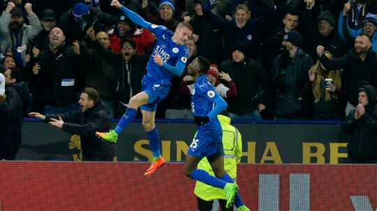 epa05819631 Leicester City's Jamie Vardy celebrates after scoring a goal, during the English Premier League soccer match between Leicester and Liverpool at The King Power Stadium in Leicester, Britain, 27 February 2017. EPA/HANNAH MCKAY EDITORIAL USE ONLY.No use with unauthorized audio, video, data, fixture lists, club/league logos or 'live' services. Online in-match use limited to 75 images, no video emulation.No use in betting, games or single club/league/player publications