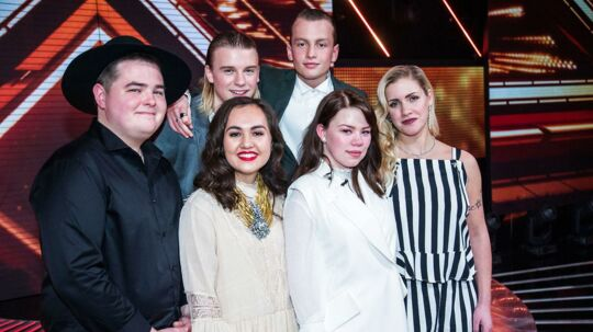 De tilbageværende deltagere - Morten, VKation, Chili, Mia og Samanta.