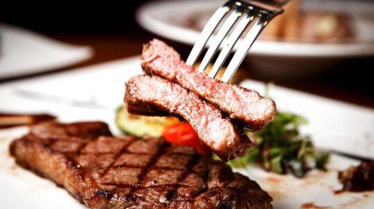 Et nyt stort studie viser, at det kan øge risikoen for kræft, hjertesygdomme og diabetes betydeligt, hvis du spiser for meget rødt kød.