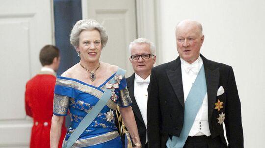 Prins Richard af Berleburg bliver tirsdag bisat i Bad Berleburg. Her ses prinsen med sin kone prinsesse Benedikte ved dronning Margrethes 70 års fødselsdag.