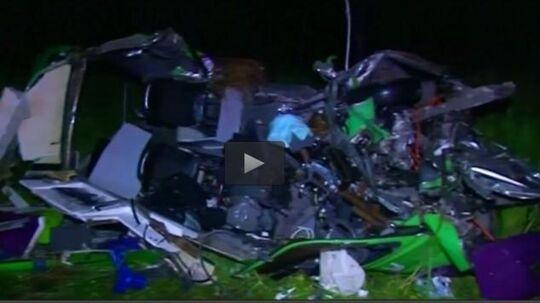 En dansker mistede natten til mandag livet i et voldsomt trafikuheld i Australien.