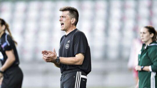 Landstræneren for kvindelandsholdet, Nils Nielsen.
