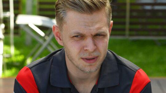 Kevin Magnussen lå sidst, da han udgik af Australiens Grand Prix.