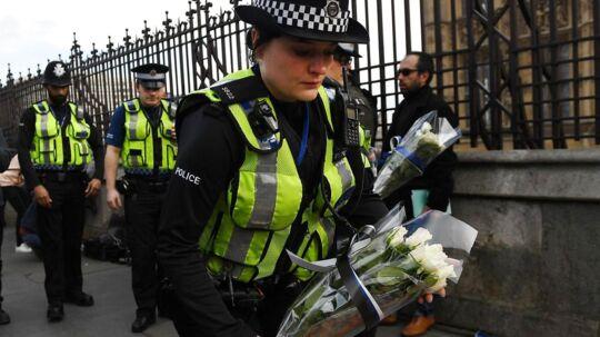 Fem inklusiv gerningsmanden mistede onsdag livet under et terrorangreb på Westminister Bridge i London.