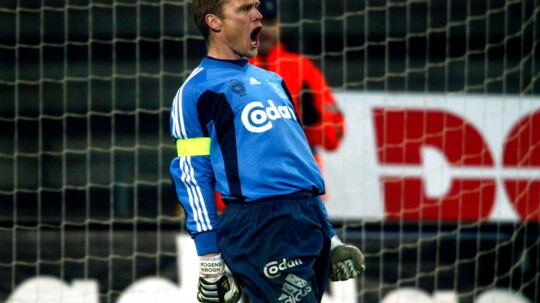 Her ses Mogens Krogh i rollen som Brøndbys målmand.