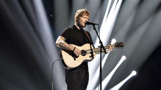 Ed Sheeran under sin optræden i finalen i X Factor i København den 31. marts.