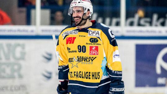 Tirsdag aften d. 28. marts 2017- - Ishockey, Metalligaen, 4 Semifinale, Esbjerg Energy og Frederikshavn White Hawks. Tyler Fiddler scorer til 1:2. (Foto: Niels Husted/Scanpix 2017)