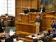 Finansminister skal forsvare politikernes førtidspension
