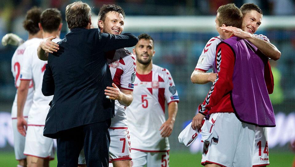 74f642377bd Landsholdet oser af selvtillid: Vi kommer blæsende mod Rumænien | BT  Fodbold - www.bt.dk