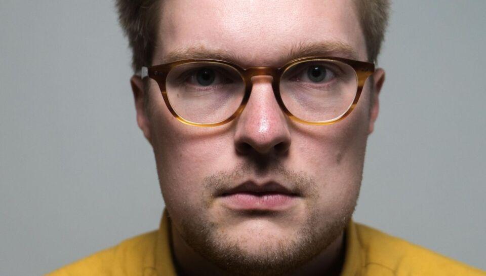 Kasper stod målløs tilbage under en tur i byen: Jeg mødte 'hr. pølsefinger'