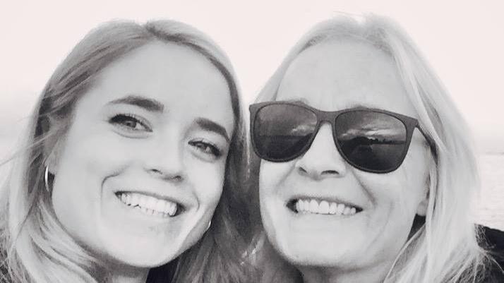 Billederne Har År Fundet Yngre 38 Se Linnet Kæreste Anne Bt SqwtxUd