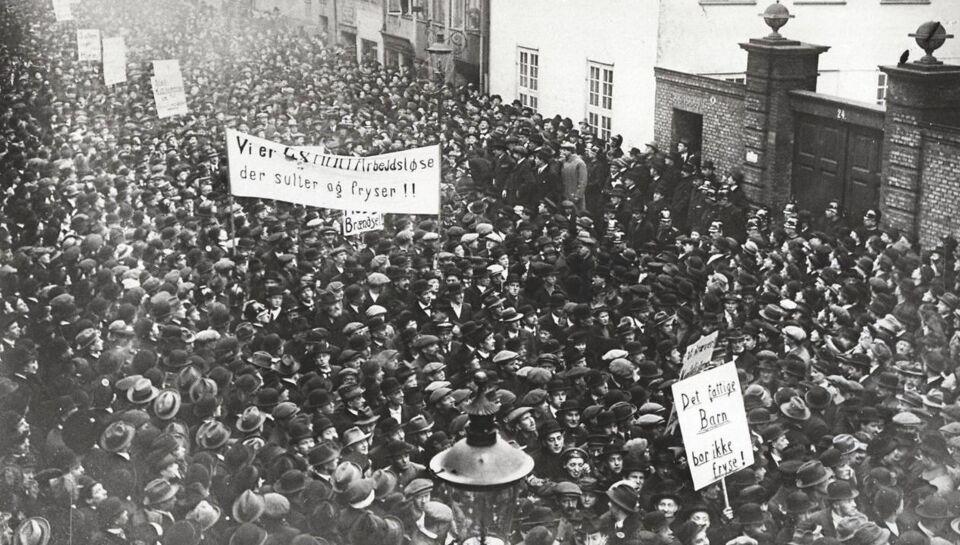 I dag for 100 år siden forlod de Jagtvej 69 med revolvere: Det kan vi takke dem for i dag | BT ...