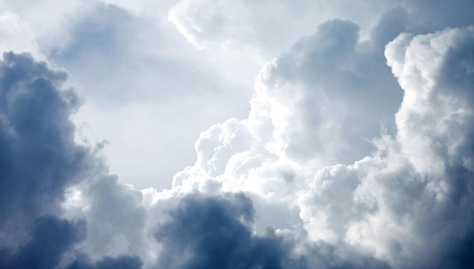 Lørdag og søndag er der risiko for regn- og tordenbyger